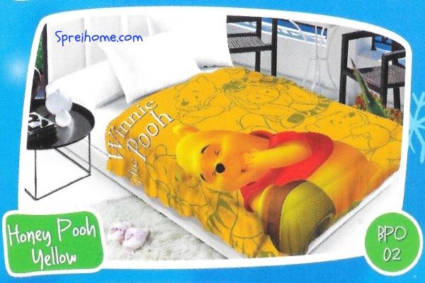 selimut bulu halus lembut blossom motif honey pooh